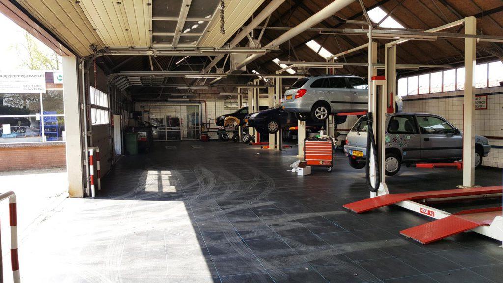 Garage Huren Utrecht : Doe het zelf garage